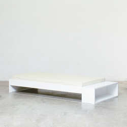 Bed with bedside bench | Camas individuales | Minimöbl