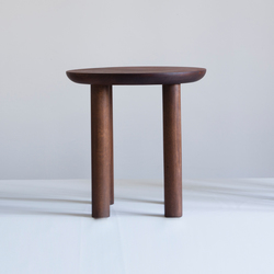 Wing high stool | Polsterhocker | Karen Chekerdjian