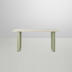 70/70 Dining Table | small | Cafeteria tables | Muuto