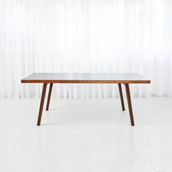 Grace | Restaurant tables | MORGEN