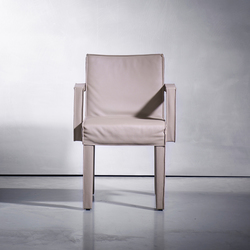 SAAR dining chair | Sillas | Piet Boon