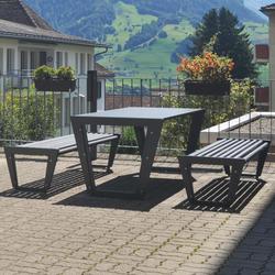 BURRI 02 Tisch | Außentische | BURRI