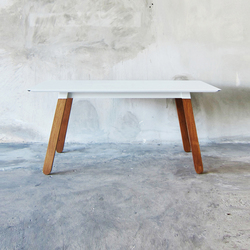 SIM STEEL Table | Dining tables | TAKEHOMEDESIGN