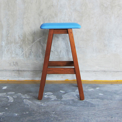 SIM Bar Stool | Taburetes de bar | TAKEHOMEDESIGN