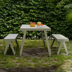 Lloyd dining table with bench | Tables et bancs de jardin | Functionals