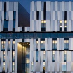 ALUCOBOND® Metallic | Silver Metallic 500 | facade | Facade design | 3A Composites