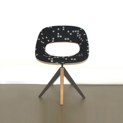Diagonal Cross Legs Chair | Besucherstühle | dutchglobe