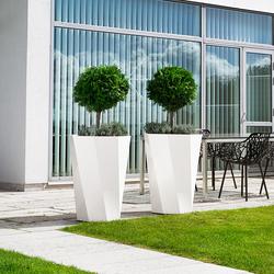 Butler Flowerpot | Macetas plantas / Jardineras | Jangir Maddadi Design Bureau