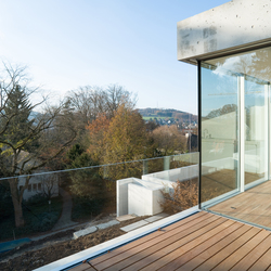 Litefront all glass ballustrade | Balcony glazing | Sky-Frame