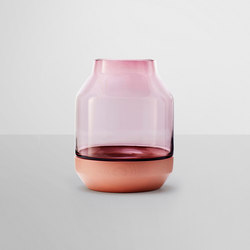 Elevated Vase | Vases | Muuto