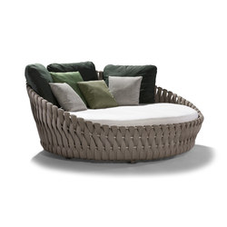 Tosca Daybed | Seating islands | Tribu