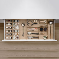Interior | Wood interior accessories, light oak | Kitchen organization | SieMatic