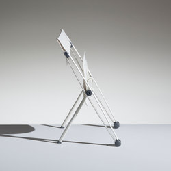 Conpasso tip-up chair | Sillas | Lamm