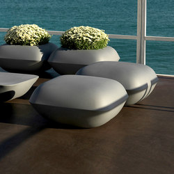Pillow table | Garden stools | Vondom