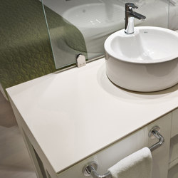 Bath | Colorfeel Arctic White | Ceramic panels | Neolith