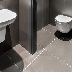 Bath | Colorfeel Nero | Ceramic tiles | Neolith