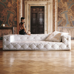 Must | Sofas | Longhi