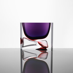 Moments | square purple ruby red | Objects | Anna Torfs