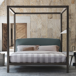 Ari bed | Four poster beds | Flou