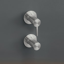 Innovo INV70 | Shower controls | CEADESIGN