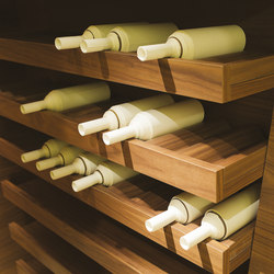 Bellagio | Kitchen | Wine racks | Laurameroni