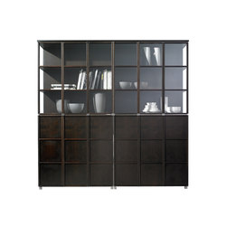 Quadrat wall | Display cabinets | Christine Kröncke