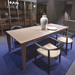 Brando | Dining tables | Former
