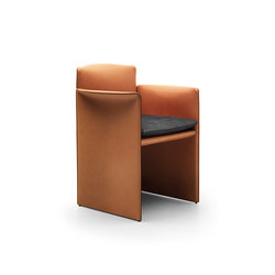 """O"" small armchair 