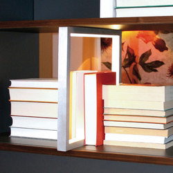 QR Shelf | QRL Shelf lamp | Surface-mounted lights | OLIVER CONRAD