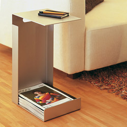 Alu Like Hochstapler magazine table | Magazine holders / racks | jankurtz