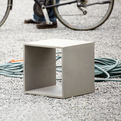 Beton side table | Mesas auxiliares de jardín | jankurtz