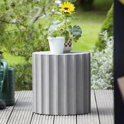 Beton Nero stool / side table | Garden stools | jankurtz