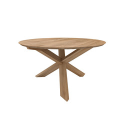 Oak Circle dining table | Restaurant tables | Ethnicraft