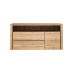 Oak Shadow chest of drawers | Aparadores | Ethnicraft