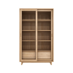 Oak Wave bookcase | Vitrinas | Ethnicraft