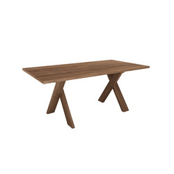 Teak Pettersson dining table | Mesas para restaurantes | Ethnicraft