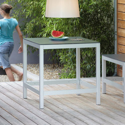 Quadrat bar table | Tables hautes | jankurtz