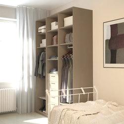 Walk-in closets | Whitened linen | Kleiderschränke | dica