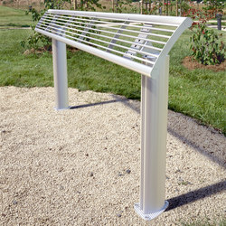 Europe mesh standing seat | Exterior benches | Concept Urbain