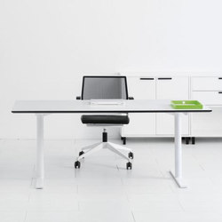 Q10 Desk | Scrivanie individuali | Holmris Office