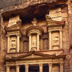 Destinations | Petra Gate | Rivestimenti su misura | Mr Perswall