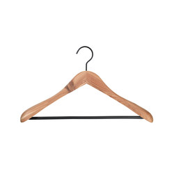 Cedar coat hanger with bar | Coat hangers | nomess copenhagen