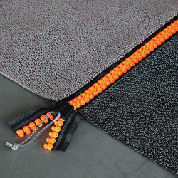 Jewels - Zipper XL neon orange | Formatteppiche / Designerteppiche | Carpet Sign