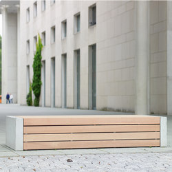 Versio corpus 500 stoolbench with slats MEDIUM and concrete feet in standard ligth grey
