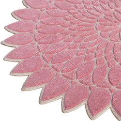 Wreath Pink | Formatteppiche / Designerteppiche | Nuzrat Carpet Emporium