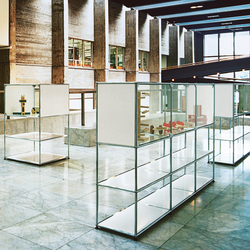 USM Haller Glass showcase 3 | Display cabinets | USM