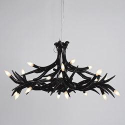 Superordinate Antlers chandelier 12 antlers black | Lámparas de techo | Roll & Hill