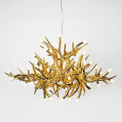 Superordinate Antlers chandelier 24 antlers gold | Ceiling suspended chandeliers | Roll & Hill