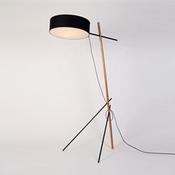 Excel floor lamp black | Lámparas de pie | Roll & Hill