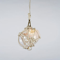 Knotty Bubbles Pendant - Small (Natural/Opal) | Lámparas de suspensión | Roll & Hill